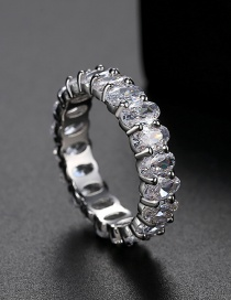 Anillo Ovalado Con Diamantes
