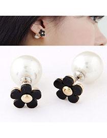 Revealing Black Flower Shape Decorated Simple Design