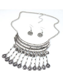 Exaggerate Anti-silver Tassel Pendant Decorated Collar Design